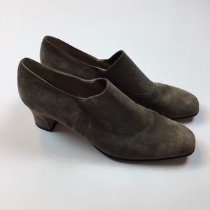 Salvatore Ferragamo Pumps Shoes Taupe Suede 9 B